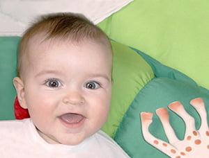 Bébé ravi à la Crèche BB de Derval